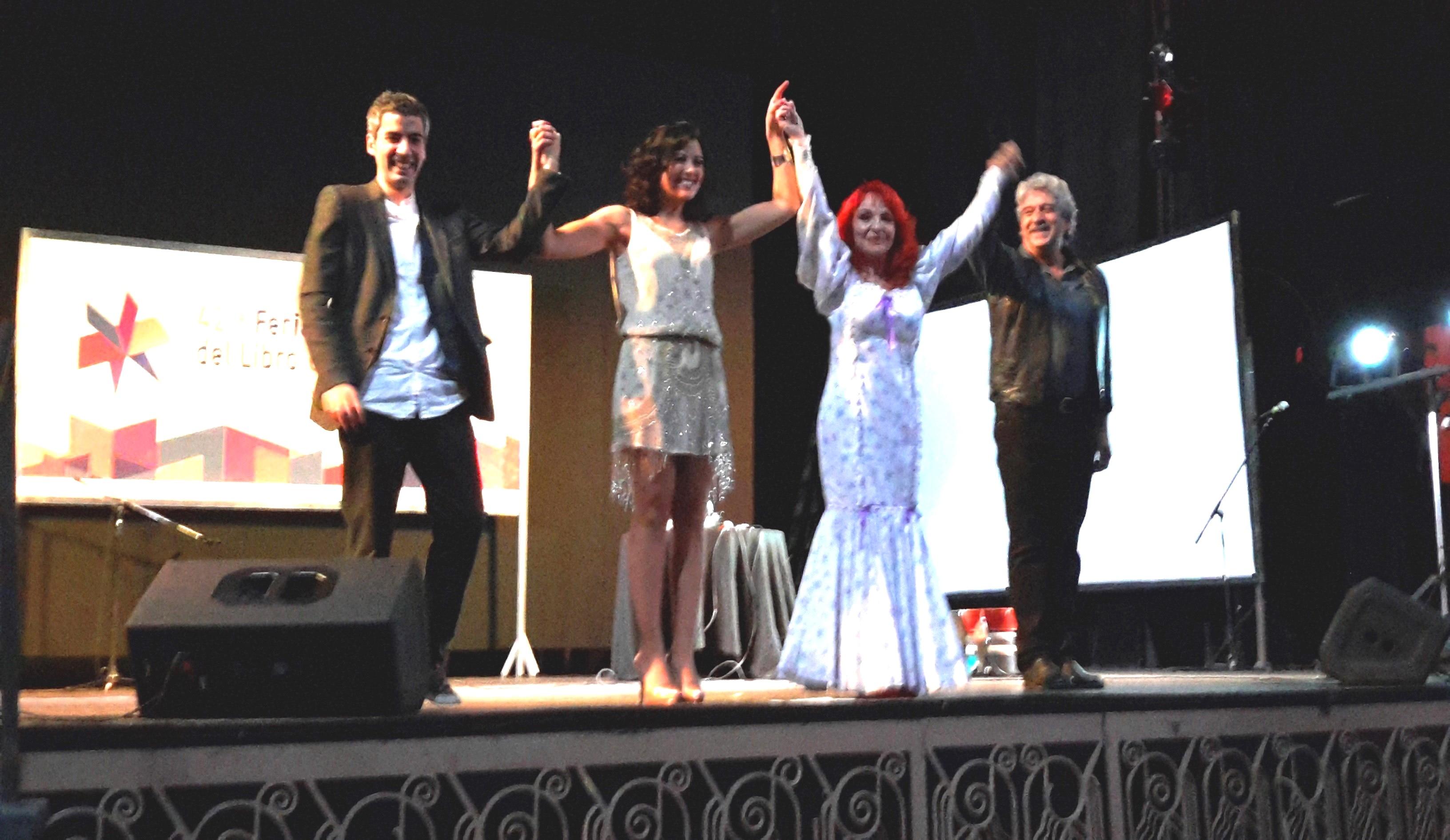 fin del segundo concierto fiesta con Javier Pérez, Lucia Pérez y Chema Purón